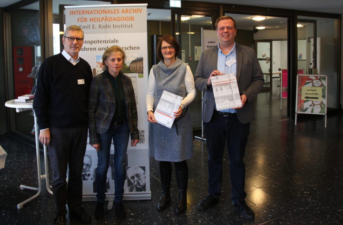 Wolfgang van Gulijk (stv. Vorsitzende des Fördervereins), Gabriele Zenker (Vorsitzende des Fördervereins), Preisträger des Förderpreises