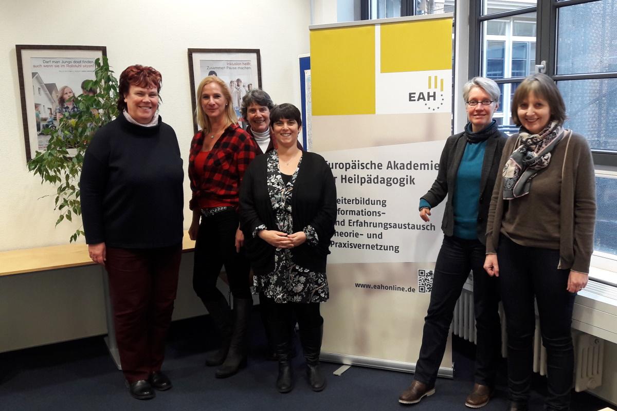 Abbildung zeigt den Vorstand des BHP, Dagmar Gumbert, Cornelia Künzel, Vera Knüppel, Sandra Kapinsky, Simone Danz, Heidi Fischer